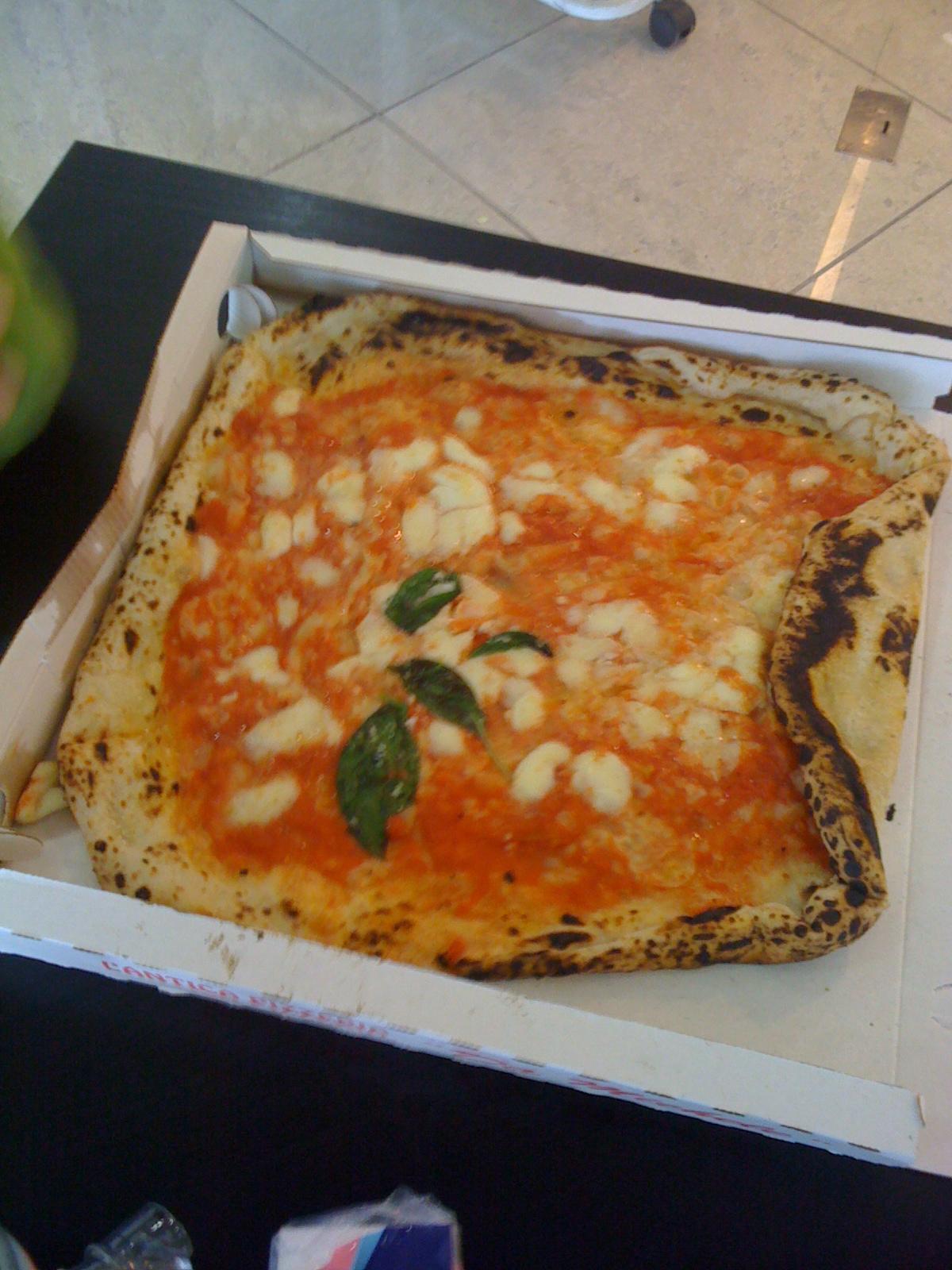 Pizza_da_michele_napoli